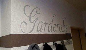 Wandtattoos für Garderoben.